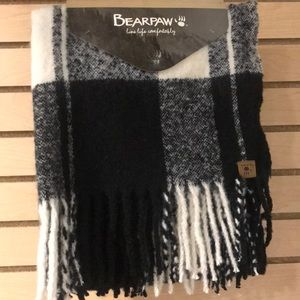 NWT BearPaw Black & White Checked Long Scarf